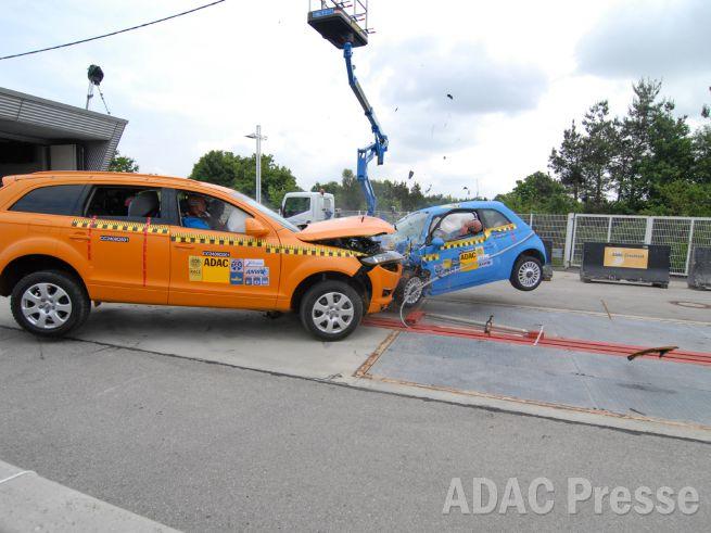 Fur Die Sicherheit Gegen Die Wand 30 Jahre Adac Crashtests